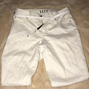 white jeans with belt